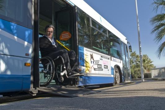 Rampe de bus pour personnes handicapés