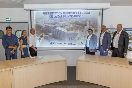 T. Ami - Flex architectes / E. PINTA - Dir G BMF / H. Falco - Président TPM / D. Taglioni - Dir G NGE - CORPUS / J.-N. Léon - Dir G Délégué Quartus -CORPUS