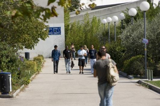 Faculté de Lettres et Sciences Humaines