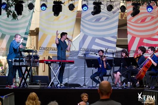 Concert associant le duo toulonnais de musique électronique Ghost of Christmas et un quatuor à cordes d'élèves du Conservatoire TPM