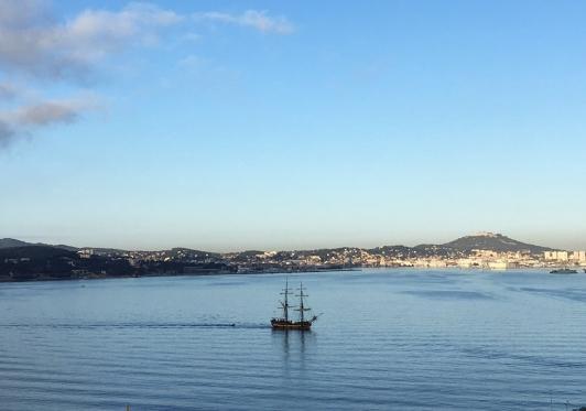La Grace arrive dans la Rade de Toulon