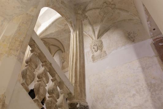 Gypseries et balustrades de l'escalier, Maison du patrimoine à Ollioules