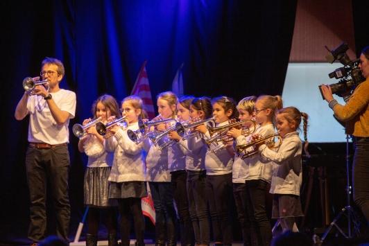 Remise officielle des instruments de musique du dispositif Orchestre à l'école