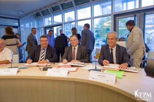 Hubert Falco, Président de TPM, aux côtés du Préfet du Var et du Président du Département