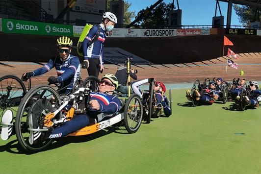 L'équipe de France de paracyclisme au Vélodrome TPM