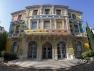 La façade de l'Hôtel des Arts colorée par Alexandre Benjamin Navet