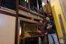 Jonathan et Ugo, facteurs d'orgues de l'entreprise Quoirin
